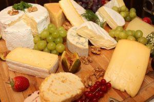 """Bułgarski ser przypominający grecką fetę – """"sirene"""""""